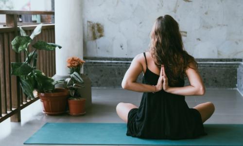 Как создать уголок йоги на заднем дворе