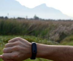 Smartwatch или фитнес-трекер: какой из них вы должны купить, чтобы улучшить свою физическую форму?